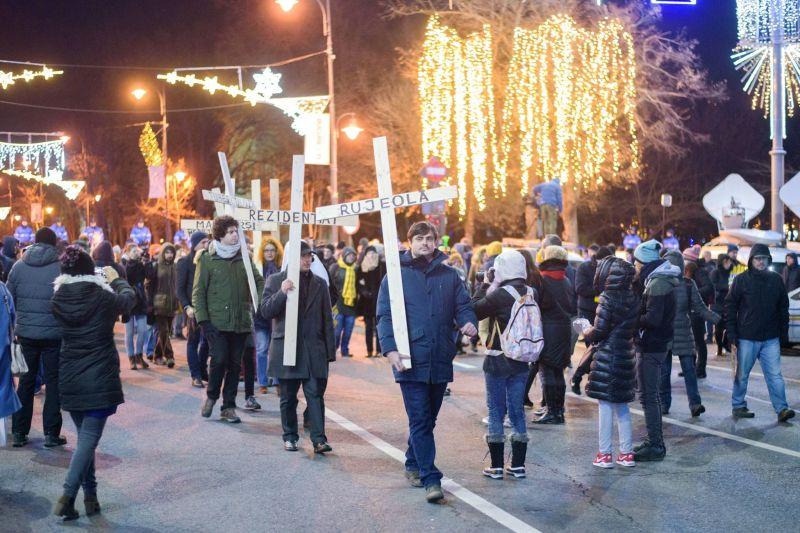 """Protest """"Ei cu hoții, noi cu toții!"""" (10 decembrie 2017) - Credit foto: Mihut Savu / Epoch Times Romania"""