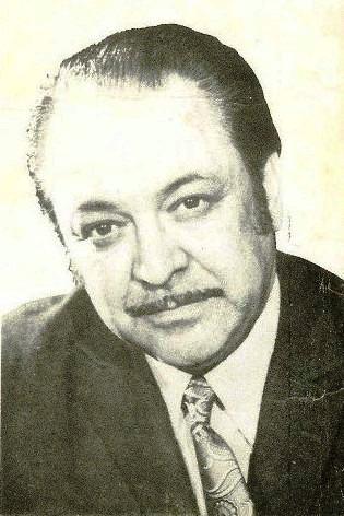 Vasile (Sile) Dinicu (n. 10 decembrie 1919, Bacău, România - d. 7 ianuarie 1993) a fost un compozitor, dirijor și pianist, cunoscut în special pentru colaborarea cu orchestrele de estradă ale Radioteleviziunii Române - foto preluat de pe www.discogs.com