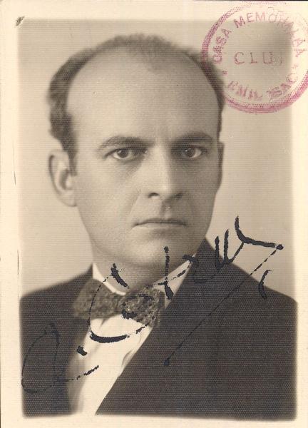 Aron Cotruș (n. 2 ianuarie 1891, Hașag, lângă Sibiu – d. 1 noiembrie 1961, La Mirada, California) a fost un diplomat și scriitor român - foto preluat de pe ro.wikipedia.org