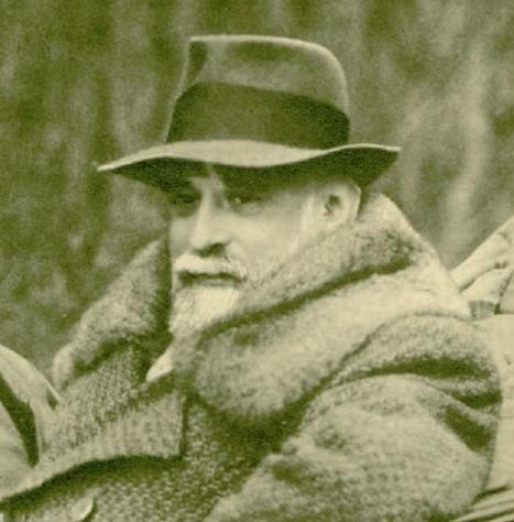 """Constantin I. C. Brătianu (cunoscut şi ca Dinu Brătianu, n. 13 ianuarie 1866 – d. 20 mai 1950) a fost un om politic liberal, membru proeminent al """"dinastiei Brătienilor"""", ca fiu al lui Ion C. Brătianu şi frate mai mic al lui Ionel Brătianu. De profesie inginer, Dinu Brătianu a deţinut funcţiile de deputat şi ministru, devenind în ultima parte a vieţii sale preşedinte al Partidului Naţional Liberal. - Constantin I. C. (Dinu) Brătianu în 1932 - foto preluat de pe ro.wikipedia.org"""