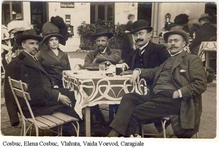 La o bere în 1900. Coșbuc, Elena Coșbuc, Vlahuță, Vaida Voievod, Caragiale - foto preluat de pe www.facebook.com
