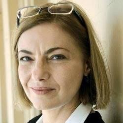 Denisa Comănescu (n. 4 februarie 1954, Buzău) este o poetă, editoare și traducătoare română - foto preluat de pe facebook.com