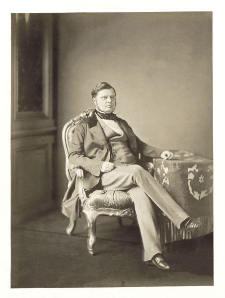 Alexandre Florian Joseph, Conte de Colonna-Walewski (n. 4 mai 1810, Walewice, Ducatul Varșoviei – d. 27 septembrie 1868, Strasbourg, Franța) a fost un om politic, diplomat și militar franco-polonez. Era fiul natural al lui Napoleon I și al amantei acestuia, Maria, Contesa Walewski. Alexandre Walewski a fost senator (1855-1865) și ministru al afacerilor externe (1855-1860) pe timpul lui Napoleon al III-lea. În această calitate el a fost promotorul, în cadrul Congresului de pace de la Paris, a Unirii Principatelor Dunărene sub un domnitor străin - Comte Walewski la Congresul de pace de la Paris (13/25 februarie – 18/30 martie 1856) - foto preluat de pe en.wikipedia.org