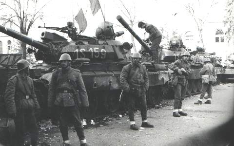 Romanian troops on the streets of Târgu Mureș - foto preluat de pe en.wikipedia.org