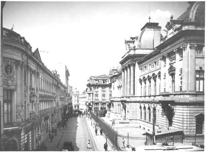 The Headquarters of the National Bank of Romania in the 1920s (Lipscani Street) - foto preluat de pe en.wikipedia.org