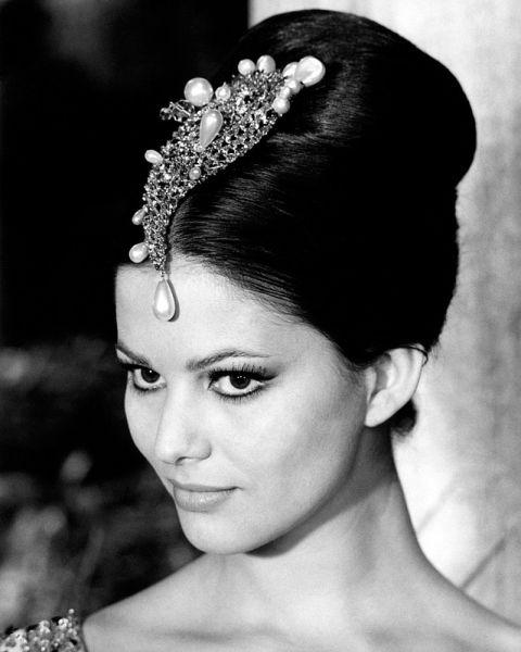 Claudia Cardinale (născută Claude Joséphine Rose Cardinale la 15 aprilie 1938 în Tunisia, din părinți italieni) este o actriță italiană de film - foto preluat de pe ro.wikipedia.org