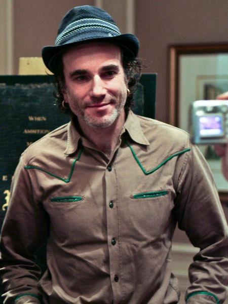 Daniel Day-Lewis (n. 29 aprilie 1957) este un actor englez, de origine evreiască și anglo-irlandeză - (Day-Lewis în New York City, 2007) foto preluat de pe ro.wikipedia.org