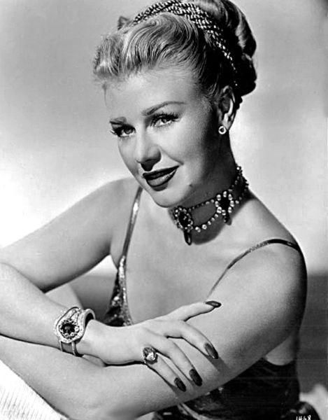 Ginger Rogers (n. 16 iulie 1911; d. 25 aprilie 1995) a fost o cântăreaţă, dansatoare şi actriţă americană de teatru şi film, laureată a premiului Oscar - foto preluat de pe ro.wikipedia.org
