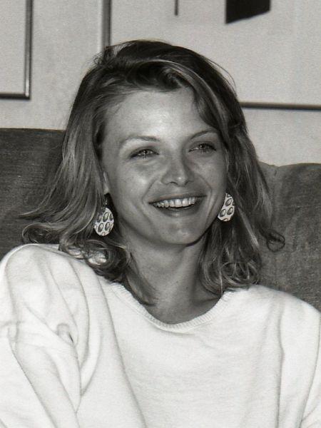Michelle Marie Pfeiffer (n. 29 aprilie 1958) este o actriță câștigătoare a premiilor Globul de Aur și BAFTA, nominalizată la premiile Oscar (Michelle Pfeiffer in 1985) - foto preluat de pe en.wikipedia.org