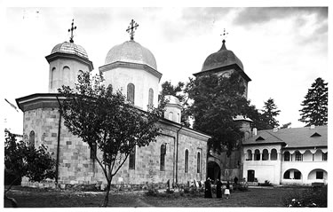 Biserica mănăstirii Negru Vodă, ctitoria lui Nicolae Alexandru - foto preluat de pe ro.wikipedia.org