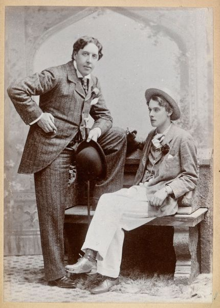 Oscar Wilde and Lord Alfred Douglas in 1893 - foto preluat de pe en.wikipedia.org