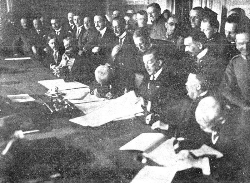 Tratatul de la București (1918) - Foreign Minister of Austria-Hungary, Stephan Burián von Rajecz, signing the treaty - foto preluat de pe en.wikipedia.org