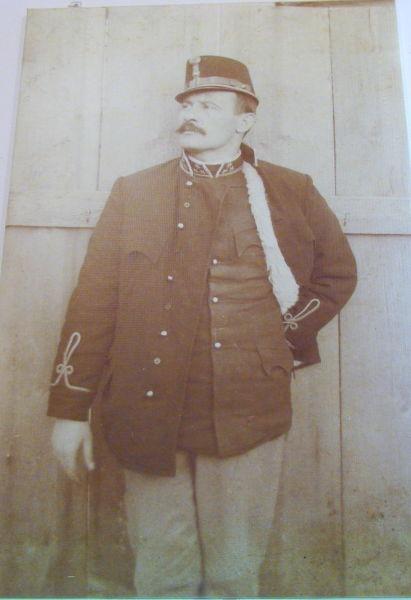 Iulian (Iuliu) Marţian (n. 23 iunie 1867, Mintiu, Bistriţa-Năsăud - d. 26 octombrie 1937, Mintiu) a fost un istoric român, membru de onoare al Academiei Române (Maiorul Iulian Marţian, pionier al cercetărilor arheologice în ţinutul Năsăudului) - foto preluat de pe ro.wikipedia.org