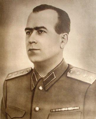 Alexandru Drăghici (n. 26 septembrie 1913, Tisău, judeţul Buzău - d. 12 decembrie 1993, Budapesta)[1] a fost un comunist român. A fost deputat în Marea Adunare Naţională (MAN) între 1946-1948, preşedinte al MAN (28 decembrie 1949 - 26 ianuarie 1950), viceprim-ministru (18 martie 1961 - 27 iulie 1965 şi 9 decembrie 1967 - 26 aprilie 1968) - foto preluat de pe ro.wikipedia.org