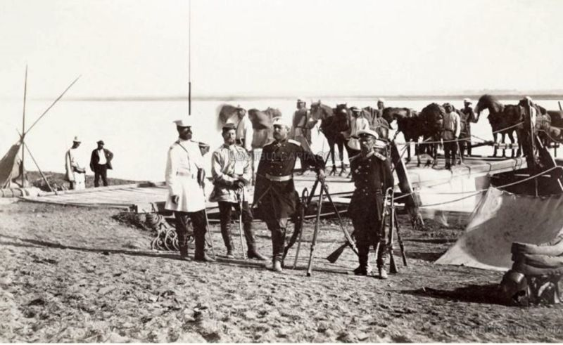 Războiul de Independență al României (1877 – 1878) - Primele unităţi ale Armatei Române au trecut Dunărea şi au luat în primire paza podului de vase Zimnicea-Svisto - foto preluat de pe radiojurnalspiritual.ro