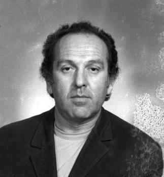 Gheorghe Ursu (n. 1 iulie 1926, Soroca, Basarabia - d. 17 noiembrie 1985, torturat la penitenciarul din Calea Rahovei, București) a fost un inginer constructor, poet, scriitor și disident. A fost arestat în urma denunțului unei colege de serviciu, care a intrat în posesia jurnalului său intim, jurnal confiscat ulterior de Securitate. A murit din cauza bătăilor primite în timpul detenției - foto Fundația Gheorghe Ursu, preluat de pe www.ziare.com