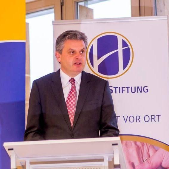 Oleg Serebrian (n. 13 iulie 1969, Hădărăuți, raionul Ocnița) este un politolog, scriitor, diplomat și politician moldovean - foto preluat de pe www.facebook.com