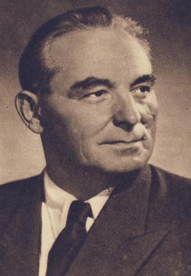 Vasile Luca, născut László Luka, (n. 8 iunie 1898, Catalina, Covasna - d. 27 iulie 1963, Aiud) a fost un activist şi politician comunist român, originar din secuime, militant în ilegalitate, ulterior ministru de finanţe al României în perioada 5 noiembrie 1947 - 9 martie 1952. După ce a ocupat una din cele mai importante poziţii în regimul comunist recent instalat, a sfârşit ca deţinut politic în închisoarea Aiud, victimă a epurărilor în spirit stalinist din propriul său partid. Uneori se menţionează în mod eronat o aşa-zisă provenienţă iudaică. Un alt citat afirmă, tot în mod eronat, că ar fi fost de origine germană transilvăneană, majoritatea surselor biografice nesprijinind aceste afirmaţii. Ca origine socială, Vasile Luca provenea dintr-un mediu proletar - foto preluat de pe ro.wikipedia.org