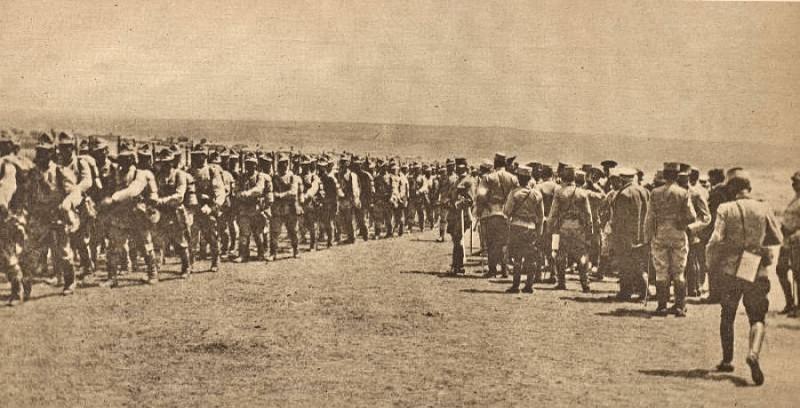 Trupe romane in Dobrogea, 1916. Reproducere după o fotografie din revista franceză Le Miroir, nr. 163 (7 ianuarie 1917) - foto preluat de pe ro.wikipedia.org