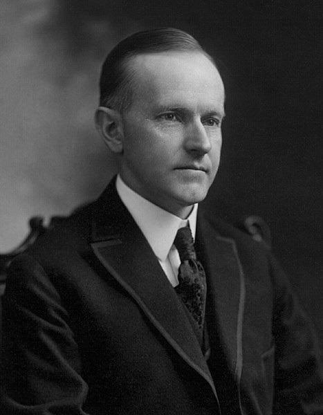 Calvin Coolidge, pe numele său complet John Calvin Coolidge, Jr. (n. 4 iulie 1872 - d. 5 ianuarie 1933) a fost cel de-al douăzeci și nouălea vicepreședinte (1921 - 1923) și cel de-al treizecilea președinte al Statelor Unite ale Americii (1923 - 1929) - foto preluat de pe en.wikipedia.org