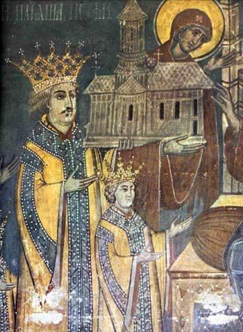 Petru Rareş (n. 1483 - d. 3 septembrie 1546, Suceava) a fost domn al Moldovei de două ori, prima dată între 20 ianuarie 1527 şi 18 septembrie 1538, iar a doua oară între 19 februarie 1541 şi 3 septembrie 1546. A fost fiul natural al lui Ştefan cel Mare cu o anume Răreşoaia, a cărei existenţă nu e documentată istoric. A urmat în linii mari politica internă şi externă stabilită de tatăl său, având şi o parte din calităţile acestuia - ambiţia, îndrăzneala, vitejia, religiozitatea, gustul artistic - dar, fire mai aventuroasă, a făcut şi erori, mai ales în politica externă - foto preluat de pe ro.wikipedia.org