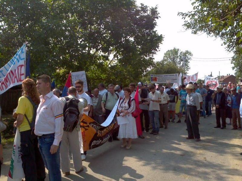 Protest com Banca - Vaslui fara fracturare si fara cianurare 300 de participanti la mitingul de azi 1 septembrie - foto preluat de pe www.facebook.com/marina.stefan