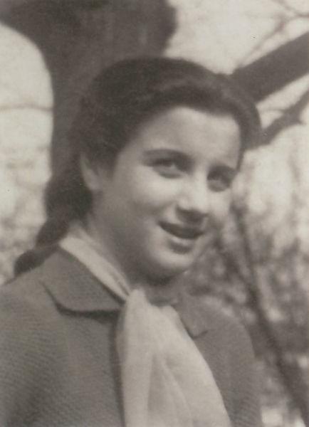 """Felicia Brad, n. 13.09.1943, Cugir, elevă din Sighetu Marmației, condamnată politic de regimul comunist la 3 ani închisoare corecțională pentru """"uneltire contra ordinii sociale"""" - foto preluat de pe www.memorialsighet.ro"""