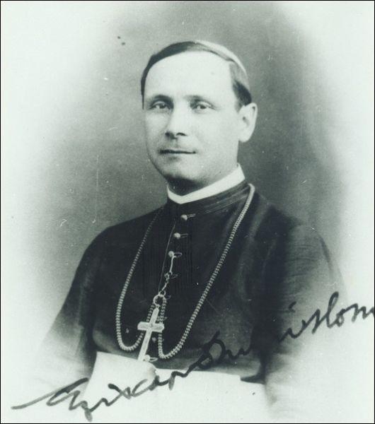 Iuliu Hossu (n. 30 ianuarie 1885, Milaș, comitatul Cluj - d. 28 mai 1970, București) a fost episcop al Episcopiei greco-catolice de Cluj-Gherla, deținut politic, cardinal, senator de drept în Parlamentul României, membru de onoare (din 1945) al Academiei Române - foto preluat de pe ro.wikipedia.org