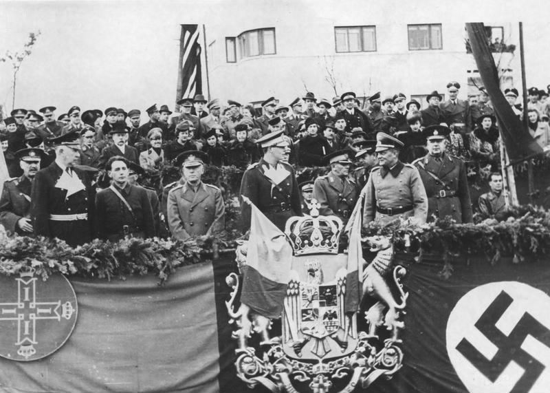 Aderarea României la Pactul Tripartit (23 noiembrie 1940) - foto preluat de pe ro.wikipedia.org