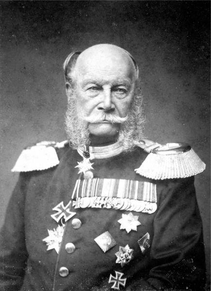 """Wilhelm I sau Wilhelm Friedrich Ludwig von Hohenzollern (n. 22 martie 1797 — d. 9 martie 1888, Berlin) a fost regele Prusiei (din 2 ianuarie 1861 și până la moartea sa) și primul împărat german (începând cu 18 ianuarie 1871). Este un reprezentant al politicii conservative prusace, jucând un rol negativ în înăbușirea revoluției din 1848. In perioda sa este numită și """"perioada wilhelmină"""", împăratul caută până în ultimul moment să împiedice războiul franco-prusac care s-a terminat cu dezastrul de la Sedan suferit de armata franceză, din cauza aceasta este numit de istorici și """"Wilhelm cel Mare"""". Politica din timpul domniei sale este influențată în mod pregnant de cancelarul său Otto von Bismarck - foto preluat de pe ro.wikipedia.org"""