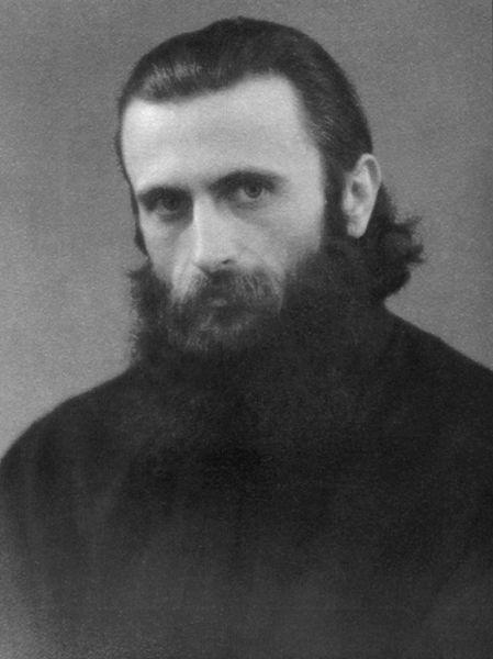 Arsenie Boca (n. 29 septembrie 1910, Vaţa de Sus, Hunedoara - d. 28 noiembrie 1989, Sinaia), părinte ieromonah, teolog şi artist plastic (muralist) ortodox român, a fost stareţ la Mănăstirea Brâncoveanu de la Sâmbăta de Sus şi apoi la Mănăstirea Prislop, unde datorită personalităţii sale veneau mii şi mii de credincioşi, fapt pentru care a fost hărţuit de Securitate - foto preluat de pe www.stiripesurse.ro