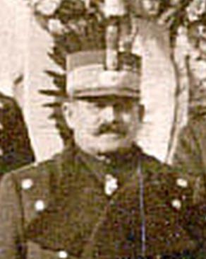 Constantin Neculcea (n. 4 martie 1873, Dumbrăveni - d. ?) a fost unul dintre generalii Armatei României din Primul Război Mondial. A îndeplinit funcții de comandant de regiment, brigadă și divizie în campaniile anilor 1916, 1917 și 1918. După trecerea în rezervă în anul 1934, a îndeplinit pentru o perioadă funcția de primar al orașului Fălticeni. Unul dintre fiii săi, locotenentul de cavalerie Nicolae Neculcea, a murit pe câmpul de luptă, în Șarja de la Robănești - foto preluat de pe ro.wikipedia.org