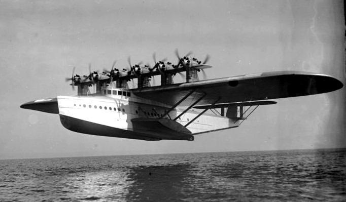Dornier Do X, a fost cel mai mare, mai greu și mai puternic hidroavion din lume, la data introducerii sale în Germania de către compania Dornier Flugzeugwerke (1929) - foto preluat de pe ro.wikipedia.org