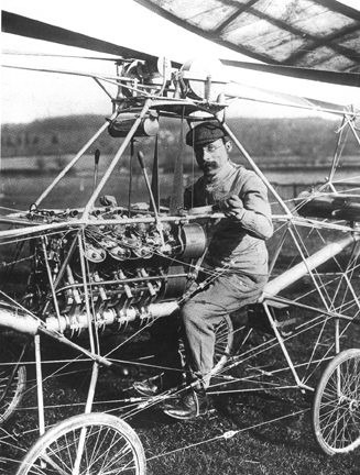 French engineer Paul Cornu in his first helicopter in 1907. Note that he is sitting between the two rotors, which rotated in opposite directions to cancel torque. This helicopter was the first flying machine to have risen from the ground using rotor blades instead of wings - foto preluat de pe en.wikipedia.org