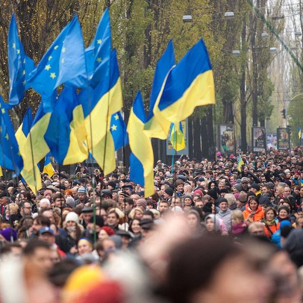 Manifestanți pro-europeni pe străzile din Kiev - foto preluat de pe ro.wikipedia.org