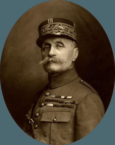Ferdinand Foch (n. 2 octombrie 1851 – d. 20 martie 1929) a fost un mareșal francez, unul dintre principalii comandanți militari francezi din timpul Primului Război Mondial. La începutul primului război mondial a condus în bătălia de la Marne armata a 9-a franceză, iar în 1915-1916 a comandat pe francezi în atacurile de la Somme. A devenit șeful de stat major francez în 1917 și membru în consiliul suprem de război. În aprilie 1918 i se încredințează comanda trupelor Antantei ce acționau în Franța (inclusiv corpul expediționar american). A fost cel care, la 11 noiembrie 1918 a impus acceptarea necondiționată a condițiilor de armistițiu de către Germania - (Marshal Foch in 1921) - foto preluat de pe ro.wikipedia.org