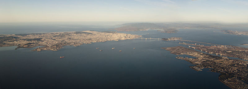 San Francisco, Oakland, and the Bay Bridge, 2014 - foto preluat de pe en.wikipedia.org
