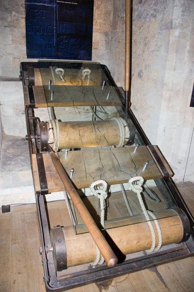 Pat de tortură în Turnul Londrei - foto preluat de pe ro.wikipedia.org