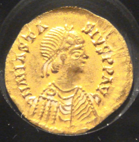 Alaric II (c. 458/466 – August 507) - Reverse of a coin issued by Alaric II, gold 1.47 g. Note that the coin-portrait is actually of the Eastern Roman Emperor Anastasius I - foto preluat de pe en.wikipedia.org