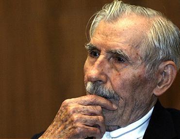 Anghel Rugină (n. 24 mai 1913, Vizurești, județul Galați - d. 15 decembrie 2008, Boston, Statele Unite ale Americii) a fost un economist american de origine română, ales membru de onoare al Academiei Române (în 1990) - foto preluat de pe www.ziarulnatiunea.ro
