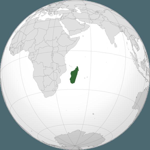 Madagascar, numele oficial fiind Republica Madagascar, este o țară insulară aflată în Oceanul Indian, în partea estică a coastei Africii, în emisfera sudică - foto preluat de pe ro.wikipedia.org