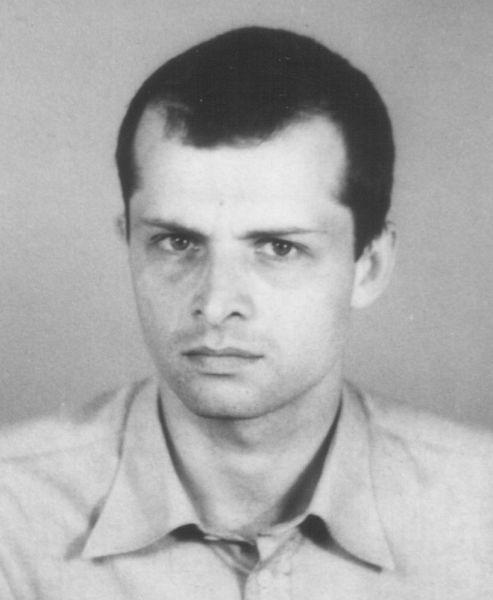 Radu Filipescu (n. 26 decembrie 1955, Târgu Mureș) este un fost disident anticomunist din România - Radu Filipescu mai 1986 - foto preluat de pe ro.wikipedia.org