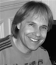 Richard Clayderman (pseudonimul artistic al lui Philippe Pagès, n. 28 decembrie 1953), este un renumit pianist și compozitor francez contemporan, creator al unui nou stil muzical, numit New Romantic - foto preluat de pe ro.wikipedia.org
