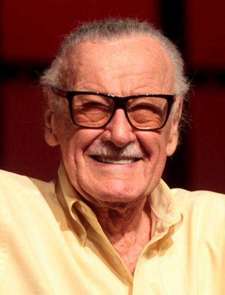 Stan Lee (născut Stanley Martin Lieber; n. 28 decembrie 1922, Manhattan, SUA – d. 12 noiembrie 2018, Cedars-Sinai Medical Center, SUA) a fost un scriitor american de benzi desenate, redactor, actor, producător, editor, personalitate de televiziune. Stan Lee este creatorul personajului Spider-Man (Omul-Păianjen). S-a născut în Manhattan/New York, chiar în apartamentul părinților săi emigrați din România - foto preluat de pe en.wikipedia.org