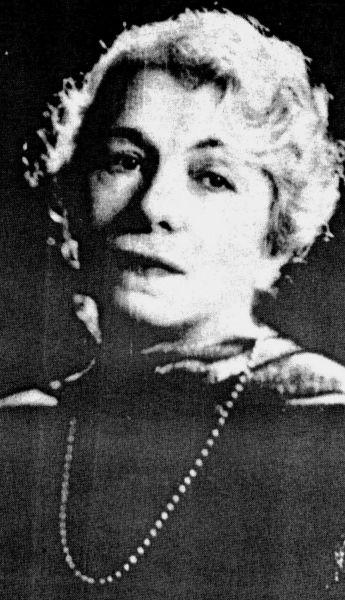 Alice Voinescu (n. Steriadi, 10 februarie 1885, Turnu Severin - d. 4 iunie 1961 București) a fost o scriitoare, eseistă, profesoară universitară, critic de teatru și traducătoare română. A fost prima româncă doctor în filosofie (Sorbona, Paris, 1913) - foto preluat de pe ro.wikipedia.org