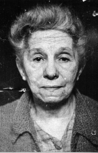 Alice Voinescu (n. Steriadi, 10 februarie 1885, Turnu Severin - d. 4 iunie 1961 București) a fost o scriitoare, eseistă, profesoară universitară, critic de teatru și traducătoare română. A fost prima româncă doctor în filosofie (Sorbona, Paris, 1913) - (Alice Voinescu, fotografie de la arestare) foto preluat de pe www.memorialsighet.ro
