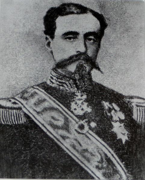 Ioan Emanoil Florescu (n. 7 august 1819, Râmnicu Vâlcea - d. 10 mai 1893, Paris) a fost un general și om politic român (între altele, prim-ministru al României în două guverne provizorii, pentru perioade scurte, între 17 aprilie și 6 mai 1876 și între 2 martie și 29 decembrie 1891). După terminarea liceului la București, Florescu a studiat la școala militară Saint-Cyr de la Paris. În războiul din Crimeea din 1854, a servit în armata rusă cu gradul de colonel. În cariera sa politică, Florescu a fost unul din conducătorii Partidului Conservator. A fost consilier militar atât al Domnului Alexandru Ioan Cuza, cât și a succesorului acestuia, Regele Carol I al României, Florescu fiind în același timp militarul care a construit Armata Română timp de optsprezece ani înainte de Războiul de independență - foto preluat de pe ro.wikipedia.org