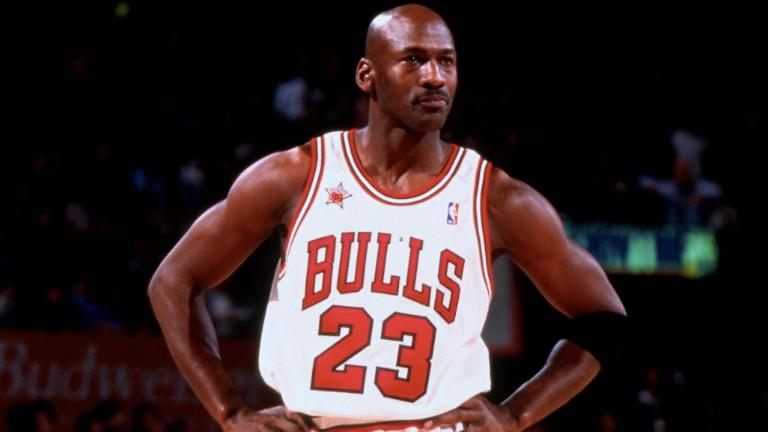 Michael Jeffrey Jordan (n. 17 februarie 1963, Brooklyn, New York, SUA) a fost un jucător profesionist american de baschet, actualmente om de afaceri și proprietar majoritar la clubul de baschet Charlotte Hornets - foto preluat de pe www.nba.com