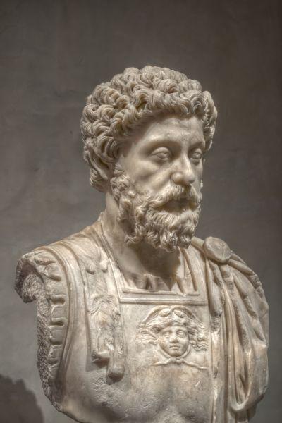 Marc Aureliu (în latină Marcus Aurelius, n. 26 aprilie 121 e.n., Roma, Italia, Imperiul Roman – d. 17 martie 180 e.n., Vindobona, Upper Pannonia, Imperiul Roman) a fost un împărat roman din dinastia Antoninilor, între anii 161 și 180 d.Hr., și filosof stoic. Născut ca Marcus Annius Verus sau Marcus Catilius Severus, a luat mai târziu, după ce a fost adoptat de împăratul Antoninus Pius, numele de Marcus Aelius Aurelius Verus. Ca împărat s-a numit Marcus Aurelius Antoninus Augustus - (A marble bust of Marcus Aurelius at the Musée Saint-Raymond, Toulouse, France) - foto preluat de pe en.wikipedia.org