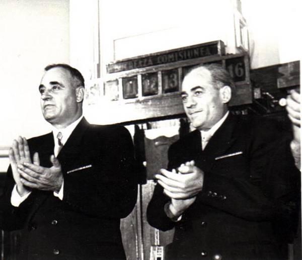 """""""Antistalinistul"""" Dej  şi """"stalinistul"""" Chişinevschi au făcut împreună de gardă la catafalcul dictatorului sovietic, în martie 1953 Contra securităţii - foto preluat de pe ceausescunicolae.wordpress.com"""